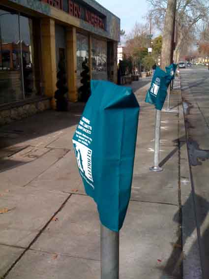 The city has installed parking meters along San Pablo Avenue.