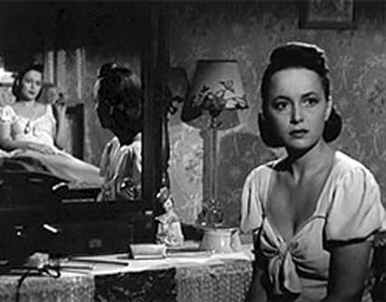 Olivia de Havilland portrays identical twins caught in a murder investigation in Robert Siodmak's The Dark Mirror (1946).