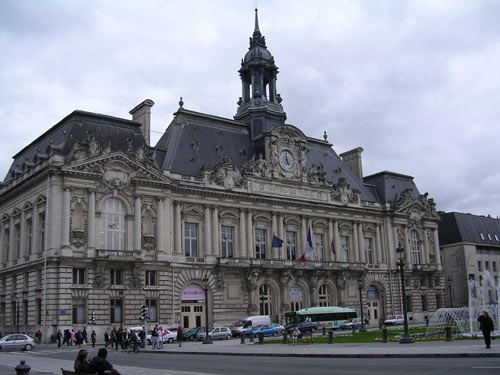 The Hôtel de Ville of Tours served as inspiration in the design of our City Hall.