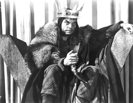 Orson Welles in the title role in his 1948 adaptation of Macbeth.