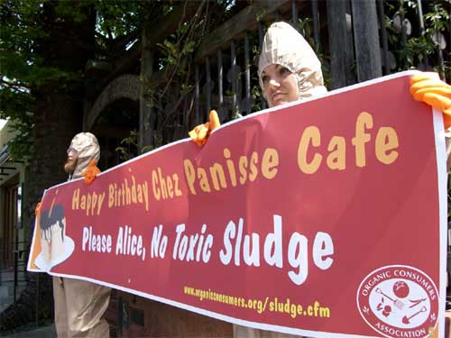 Picketers protest outside Chez Panisse in Berkeley Thursday afternoon.