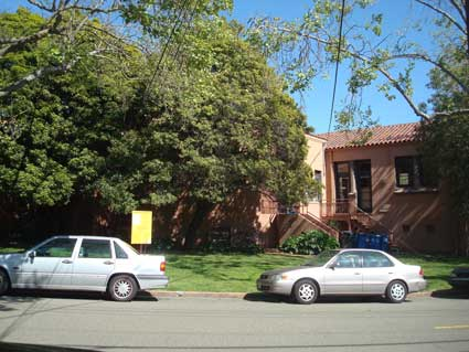 The new addition would remove the trees along the rear of the Library and extend out across the lawn towards Josephine Street, in the foreground.