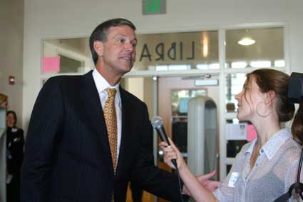 Berkeley High School Jacket reporters interview State Schools Chief Jack O'Connell at a meeting on campus last year for their newspaper's online video segment.