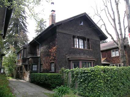 Julia Morgan designed 2816 Derby St. in 1908 as a rental income property for herself and Ira Hoover. The layout echoes that of 2733 Ashby Place. This house will be open on BAHA's House Tour, May 2.