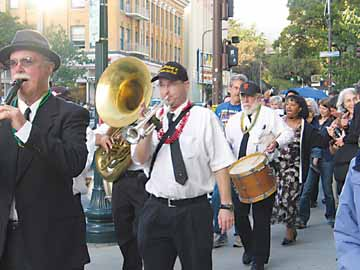 Marching to ReNew Orleans: 