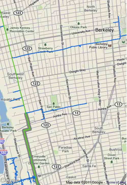 "Blue lines are Natural Gas Transmission Pipelines.  Green lines are Pipeline Segments in High Consequence Areas which have documentation or test records. Gray-outlined green line heading south from Berkeley through Emeryville is due to be ""tested and replaced"" in 2011."