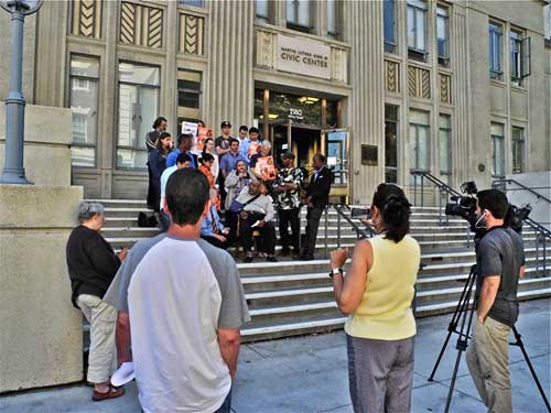 "Wednesday ""press conference"" at City Hall to charge Mayor Bates with free speech and council rules violations, an end run maneuver to keep an anti-Sit-lie ordinance off the ballot."