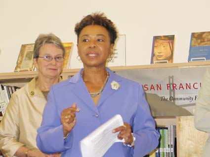 Assemblymember Loni Hancock and Rep. Barbara Lee. Photograph by Judith Scherr.