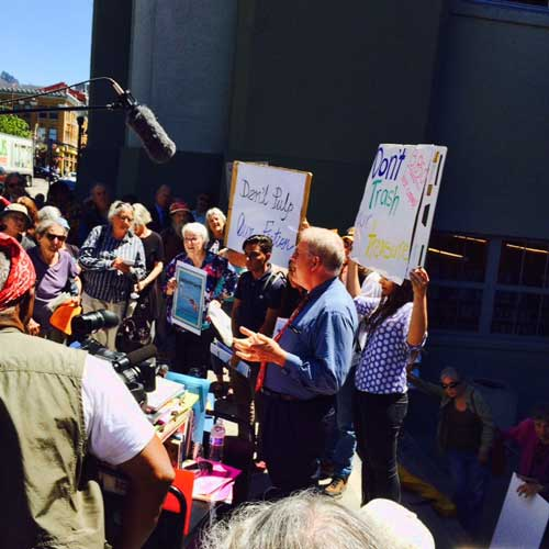 Councilmember Kriss Worthington addresses citizens angry that the Berkeley Public Library has purged tens of thousands of books (instead of the approximately 2000 as the Library Director claims) who demonstrated yesterday at the Main Library.