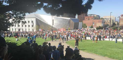 "Most Rally Against Hate participants ended up in Oxford Street because U.C. Berkeley's ""Crescent"" lawn was barricaded."