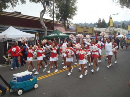The Solano Stroll brought thousands to Solano Avenue. A ferris wheel anchored the