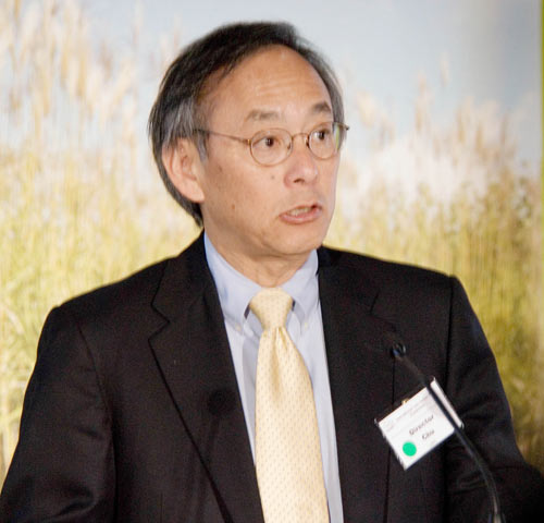 Lawrence Berkeley National Laboratory Director Steven Chu has been selected to fill the Obama administration's top energy post, according to the Associated Press and other media outlets.
